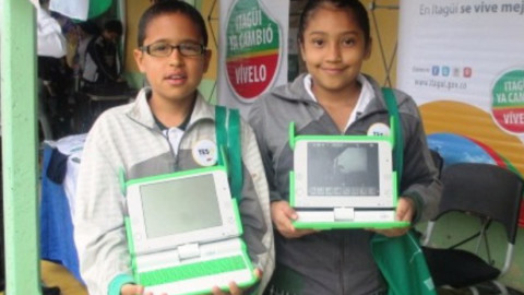 Periodismo escolar: estudiantes de Itagüí cubren la visita del alcalde