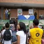 Monitores TESO registraron con los XO la visita del alcalde de Itagüí a su institución