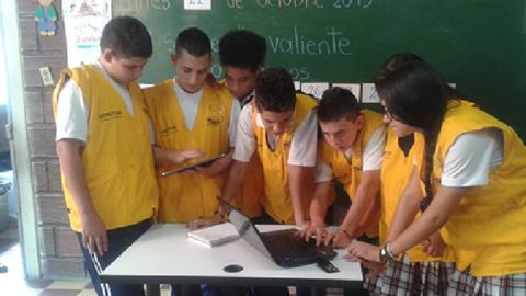 En la Marceliana Saldarriaga las TIC, escenario de encuentro entre estudiantes y docentes