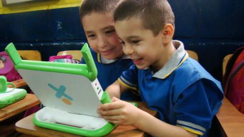 Plan padrino XO, un aprendizaje entre chicos y grandes