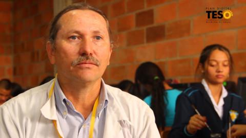 Alejandro Henao, un docente innovador en la I.E. Isolda Echavarría