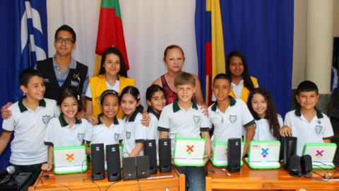 La I.E. Carlos E. Cortes celebró sus 25 años de la mano de TESO