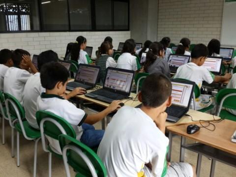 Estudiantes de Itagüí presentaron las Pruebas Supérate con el Saber 2.0