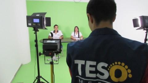 Estudiantes de la Carlos Enrique Cortés construyen su noticiero escolar