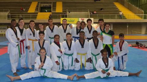 Estudiante eveista triunfa en el Taekwondo internacional