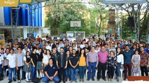 Encuentro de estudiantes del Plan Digital Itagüí